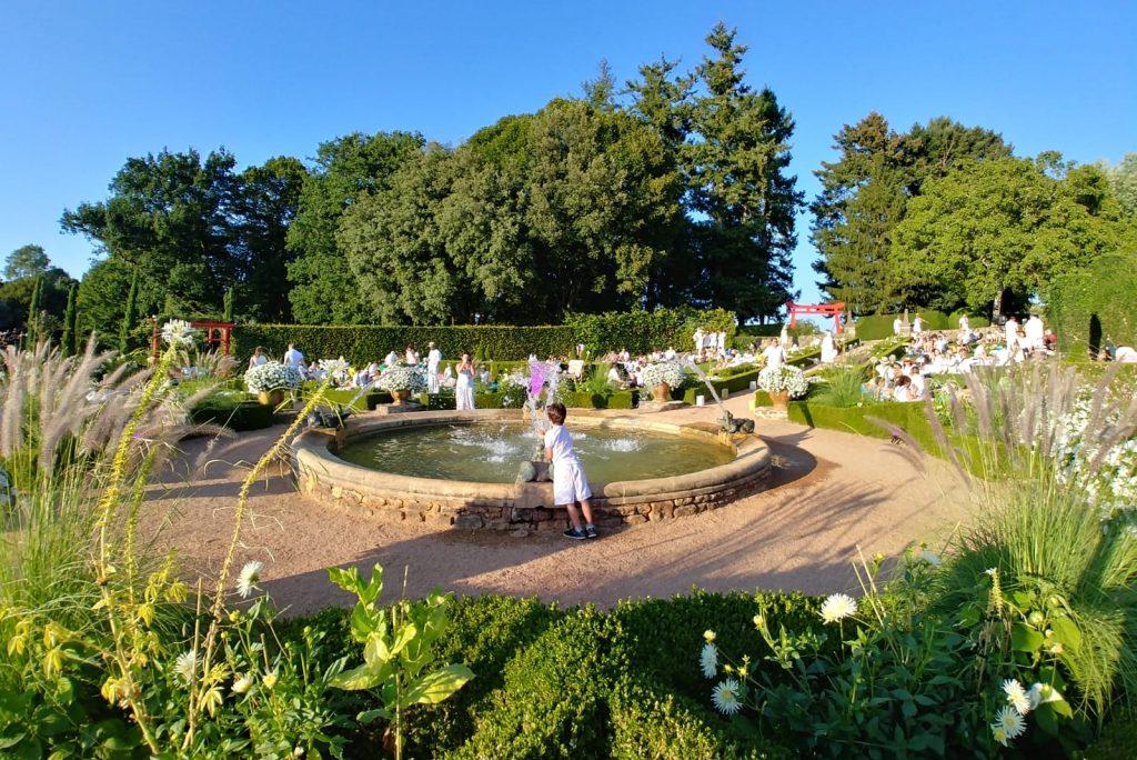 soirée blanche à Eyrignac et ses jardins