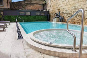 piscine et jacuzzi - Hotel Plaza Madeleine